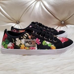 G by GUESS Floral Black Sneakers 7.5